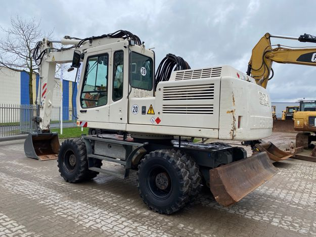 Picture of Liebherr A924 mobiele graafmachine