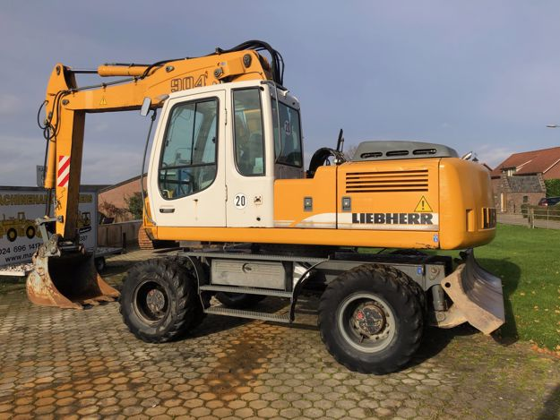 Picture of Liebherr A904 mobiele graafmachine